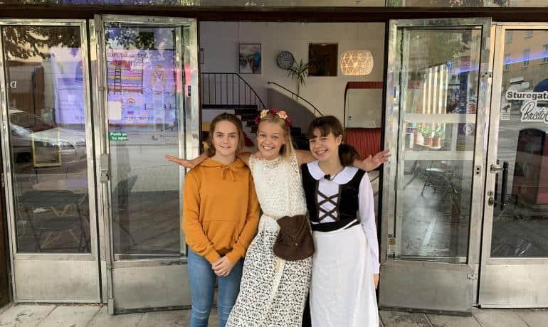 Vi träffar Molly, Kiana och Hanna